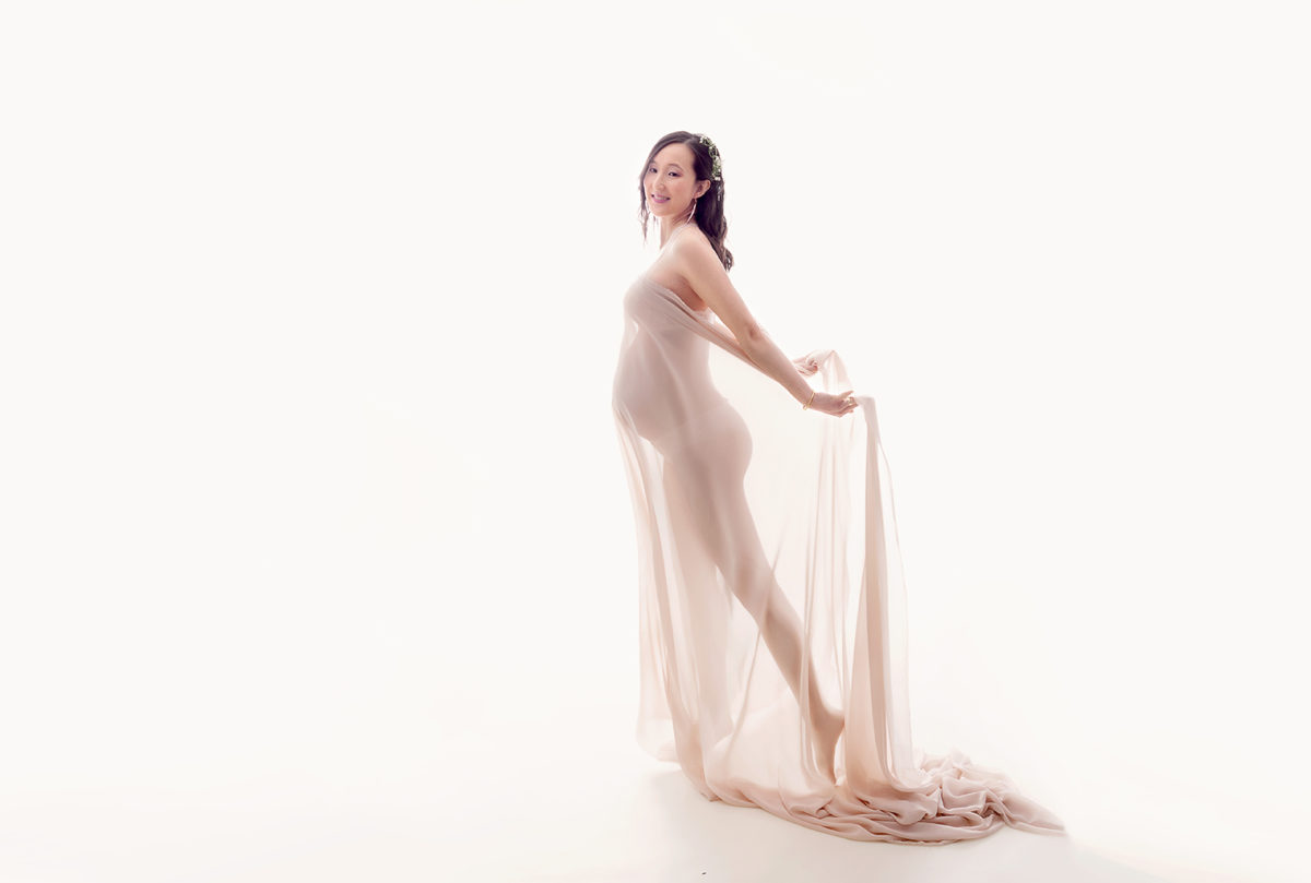 photographie femme enceinte sobre et raffinée ile de france