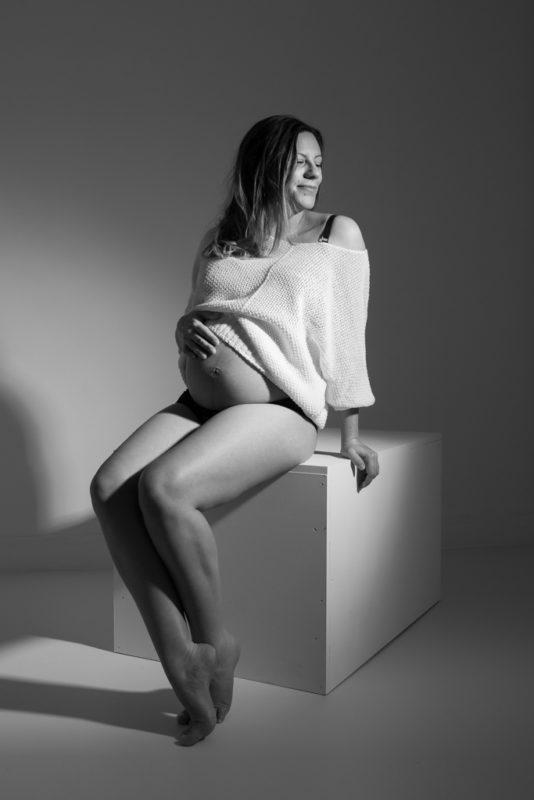 shooting photo grossesse - pregnant shoot fashion mood - paris - aurelia c photographies